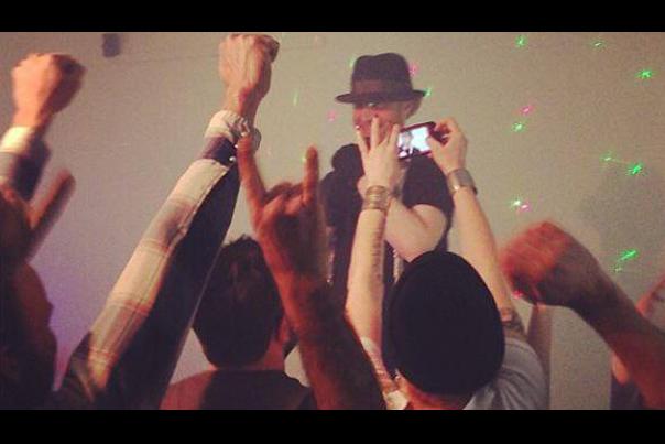 Logan Lynn Live in Portland (2013)