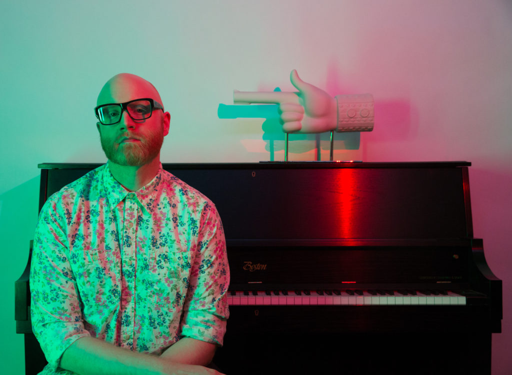Logan Lynn by Ray Gordon (2016) - 3